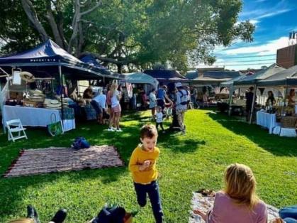 The Organic Scarecrow Freshwater Market