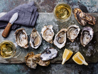 Wednesdays: $1 Oysters & $12 Champagne