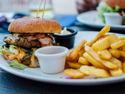 Burgers and Chips for 2 by the Beach $28, Think Local Deal, Palm Beach Golf Club