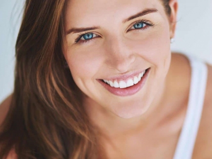 8 Shades Whiter Teeth in Just 90 Mins!