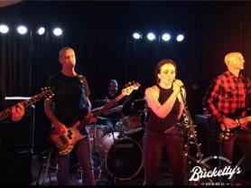 Mojo Groove Play Buckettys!