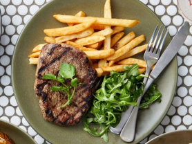 $15 Rump Steak Sundays at Dee Why Hotel