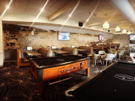 UFC Main Events Live in Surf Lounge